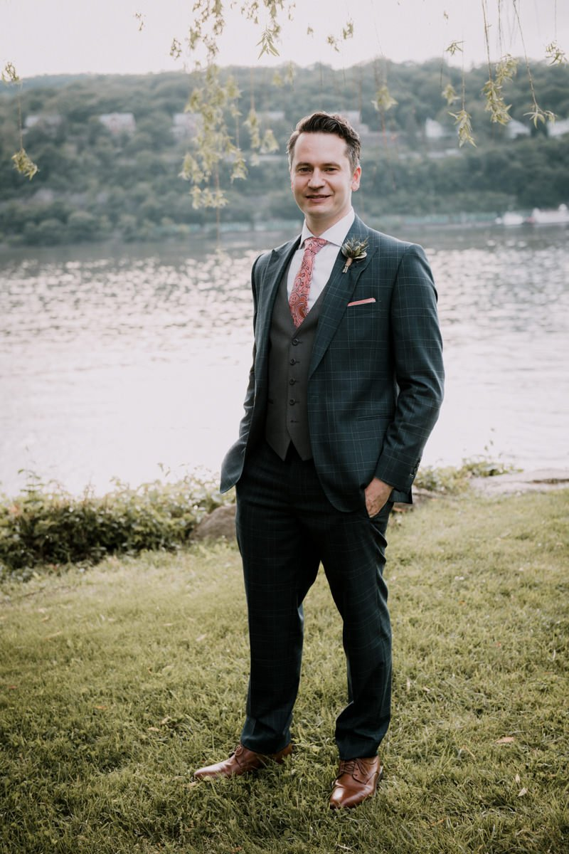 Elopement wedding on the Hudson River