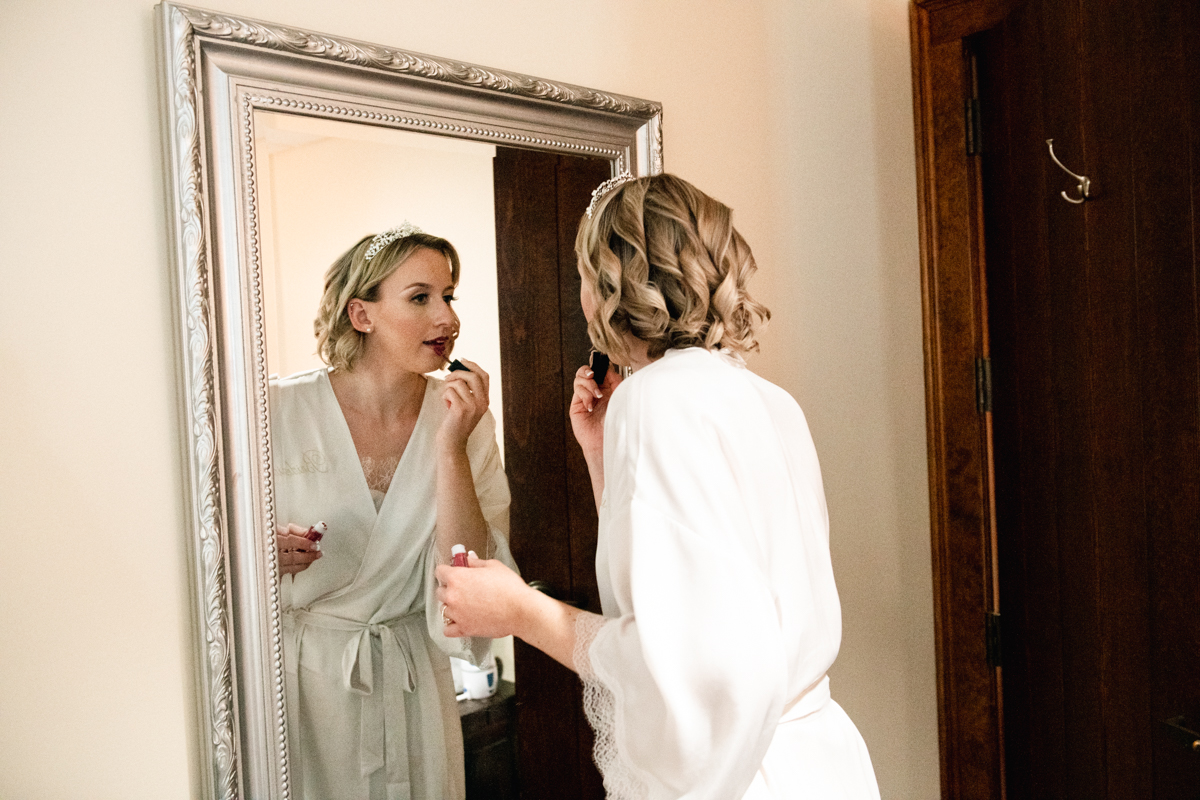 bride getting ready at hollow brook